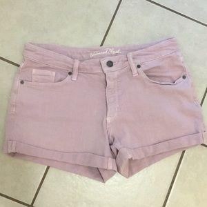Women Stretchy Light Pink Jean Shorts (Size 8/29)